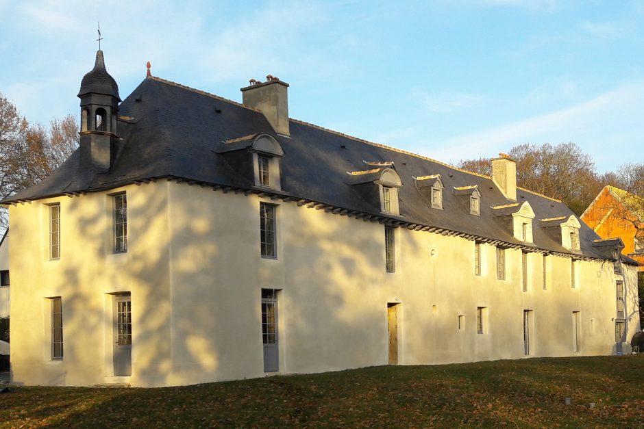 la nouvelle façade est Gîtes du château des Fontenelles, Rennes